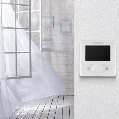 Thermostat wifi dans une pièce de maison