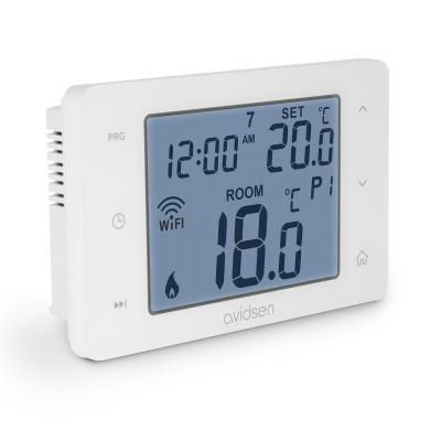 Thermostat connecté pour chaudière vue de 3/4