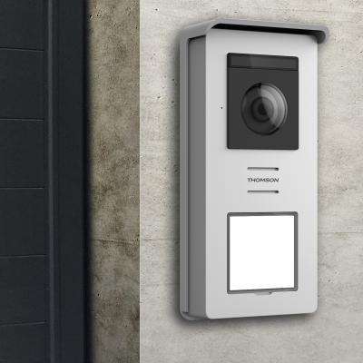 Platine de rue du visiophone Thomson Smart connect fixée sur une mur