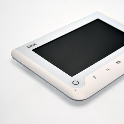 Vue de dessus de l'écran du visiophone extel nova blanc