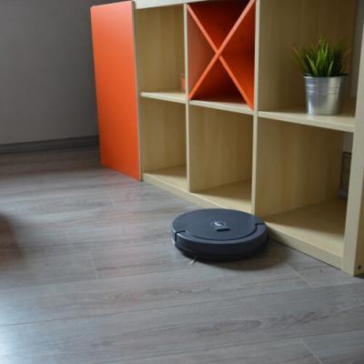 Aspirateur robot FLOOR 200 situation - 330003 - Extel