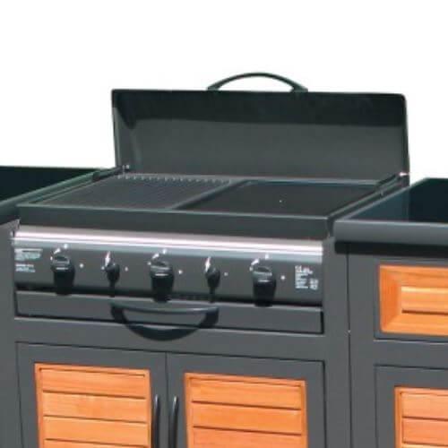 Cuisson grill ou plancha en cuisine extérieur
